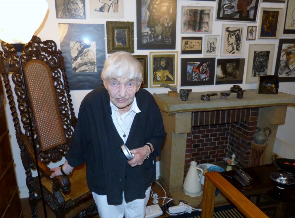 Gerda Schimpf in ihrer Wohnung, 2013. Foto © Urszula Usakowska-Wolff