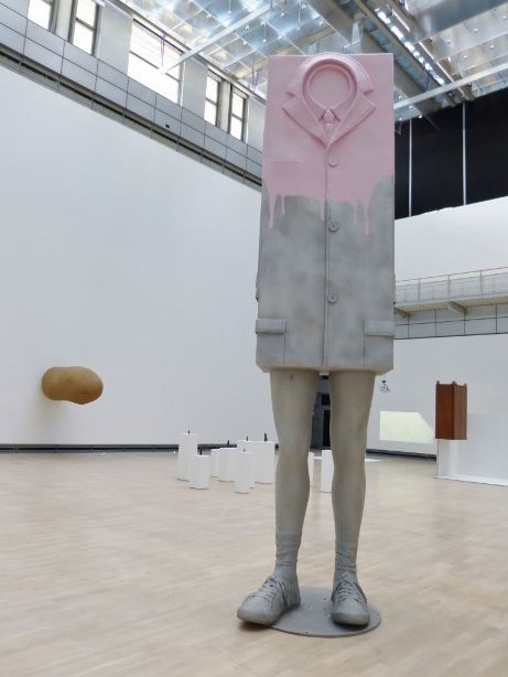Erwin Wurm, Big Kastenmann, 2012. Foto © Urszula Usakowska-Wolff