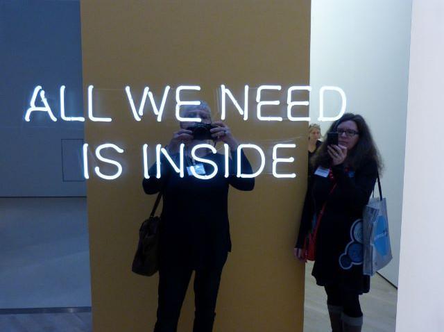 """Blick in die Ausstellung """"This Way"""" von Jeppe Hein im Kunstmuseum Wolfsburg, 12.11.2015. Foto © Urszula Usakowska-Wolff"""