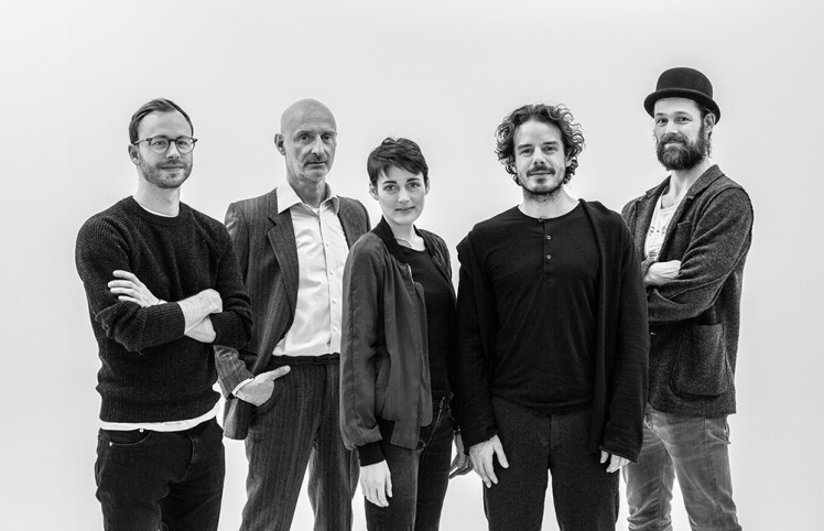 Das Team von The Dark Rooms, (v. l. n. r.) Tobias Rechsteiner, Juergen Schwaemmle, Clara Cremer, Sven Sauer und Jerry Kowalsky, Foto © The Dark Rooms