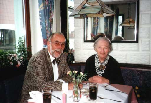 Erna Rosenstein mit Manfred Wolff in Gütersloh, 16.03.1997. Foto © Urszula Usakowska-Wolff