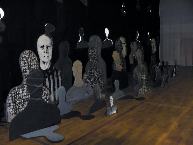 Józef Szajna, Silhouetten und Schatten (Installationsfragment), 1971-1997, Foto © Manfred Wolff