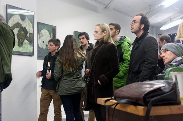 Allan Aine, Ich bin ein Berliner, Vernissage in der Nachbarschaftsgalerie, November 2013. Foto © Nachbarschaftsgalerie