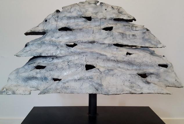 Emil Cimiotti, Baum, 1991, Bronze bemalt auf Stahl. Foto © Manfred Wolff