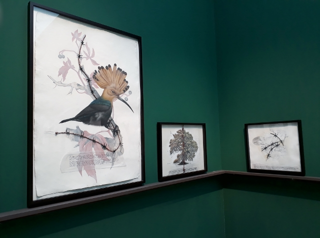 Reena Saini Kallat, Hyphenated Lives (Installationsfragment). Foto © Urszula Usakowska-Wolff