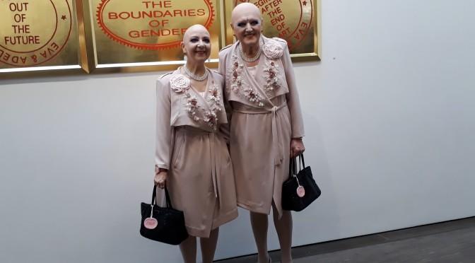 "Eva i Adele na wystawie ""L' amour du risque"" w me Collectors Room, 2018. Foto Urszula © Usakowska-Wolff"