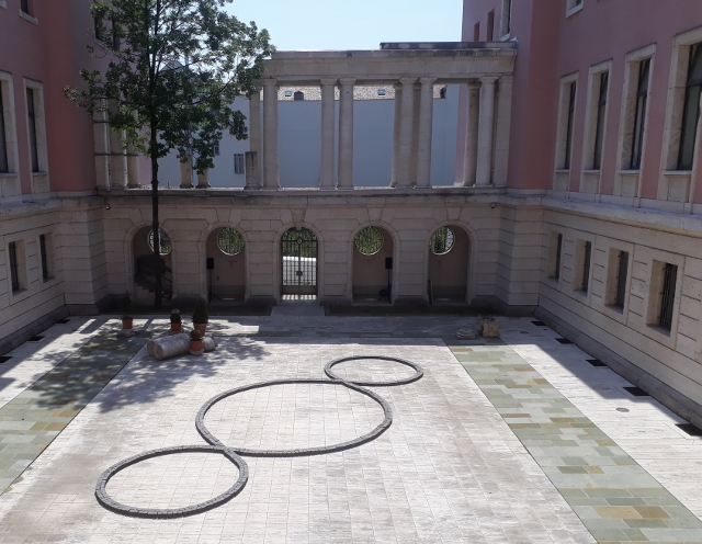 Michelangelo Pistoletto, Terzo Paradiso, Italienische Botschaft Berlin. Foto © Urszula Usakowska-Wolff