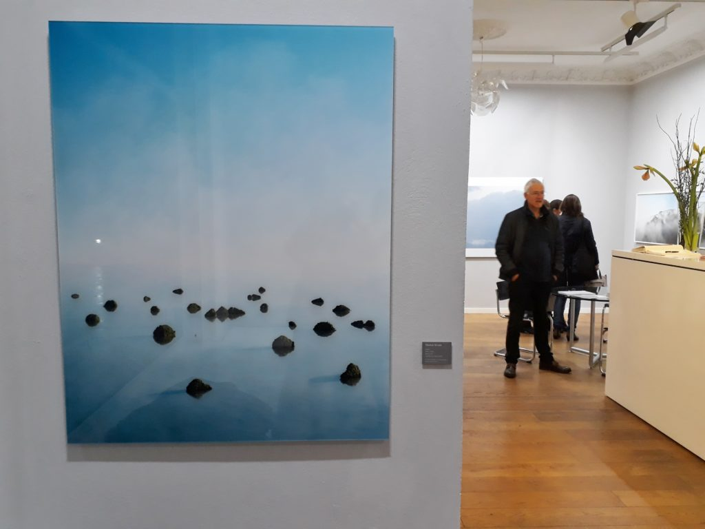 Thomas Wrede, Islands, 2008 (links), C-Print. Foto © Urszula Usakowska-Wolff