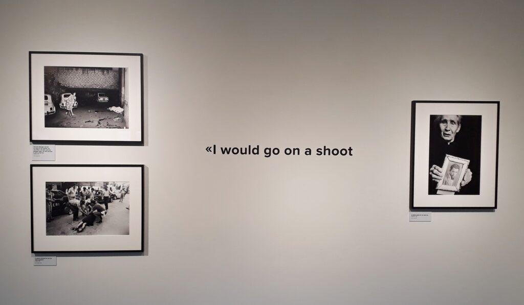 """Letizia Battaglia, Ausstellungsansicht """"Palermo und der Kampf gegen die Mafia"""", Italienisches Institut Berlin, 24.09.2020-31.03.2021. Foto: Urszula Usakowska-Wolff"""