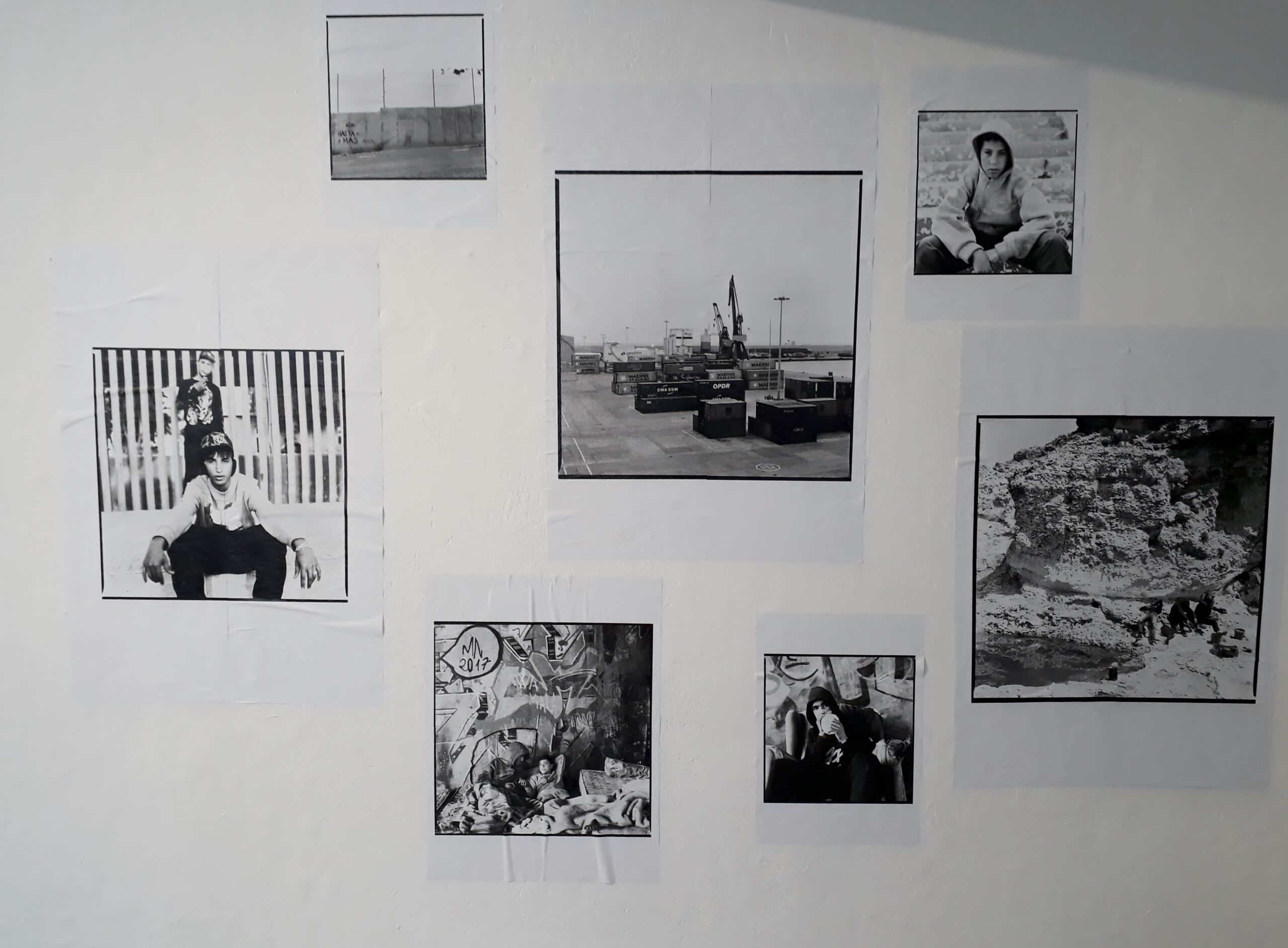 »Les enfants de la frontière sud« von Charlotte Menin im Meinblau Projektraum