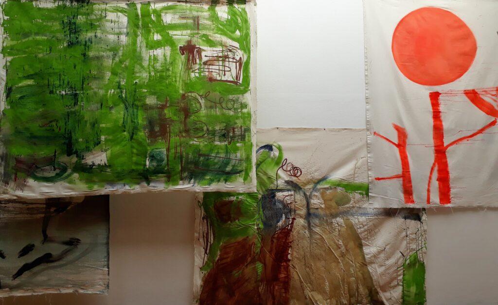 Vivian Suter, Bonzo's Dream, Ausstellungsansicht Brücke-Museum, 19.09.2020. Foto © Urszula Usakowska-Wolff
