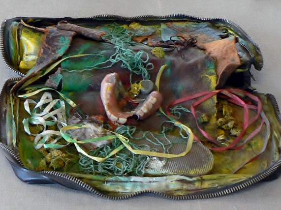 "Erna Rosenstein, Objekt, Ausstellung ""Ich kann nur unbewusst wiederholen"", Instytut Awangardy ,Warszawa, 2011. Foto © Usakowska-Wolff"