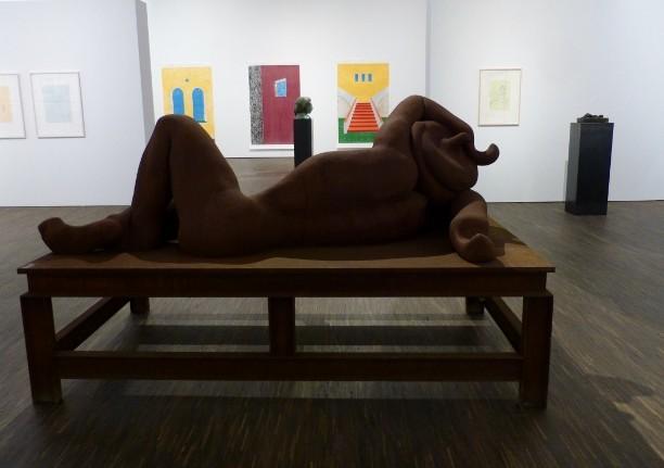 "Ausstellungsansicht ""Schöne Grüße Thomas Schütte, me Collectros Room Berlin, 2013/2014. Foto © Urszula Usakowska-Wolff"