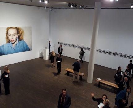 Die Ausstellung The Moment is Eternity zeigt, wie die Fotografie den Augenblick verewigt
